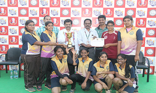 KLMT-2018 Throwball Women  Team 1st Place with Dignitareis.